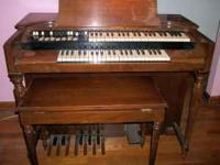 Hammond Spinnet model M2 organ. $500.00 Needs some