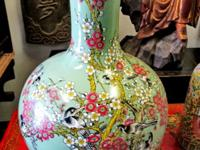 This beautiful hand made porcelain flower vase came