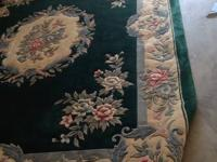 Handmade rug excellent cond