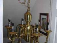 A beautiful hanging brass chandalier in very good
