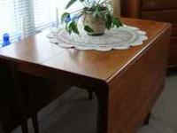 Gate leg drop leaf table with 3 leaves and whole set of