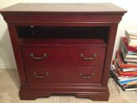 Hardwood dresser/cabinet for sale, in excellent