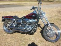 This 2007 Dyna Wide Glide only has 5052 miles on it s a