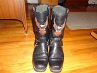 Very good condition Men's size 12 Harley Boots. I broke
