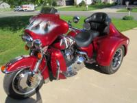 THIS IS A GORGEOUS TRIKE 01 HARLEY ELECTRA GLIDE ULTRA