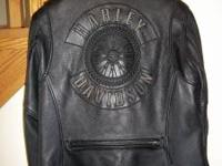 Women's Leather Coat - fitted size L - excellent