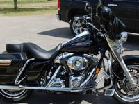 2007 roadking black&crome.with 22600 mi . This bike has