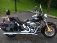 Custom 2011 Harley Davidson Softail. Excellent