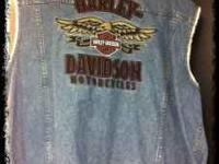 Like new authentic Harley Davidson vest size 3XL. This