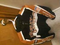 Harley jacket size m mens Like new only worn once