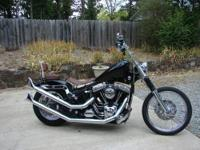 This bike is based on a 2000 Twin Cam Softail with a