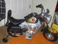 Like new Scooby Doo Motorcycle complete with user