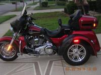 Excellent condition, 2109 miles, 2012 Harley triglide.