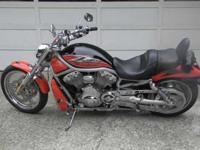 HARLEY V-ROD 2002 - GARAGE KEPT - VERY NICE! $6,100