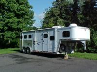 1999 Hart light weight aluminum 3 horse w/living