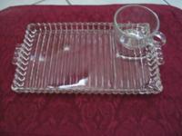 Beautiful Vintage Hazel Atlas clear Glass Snack set