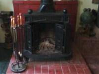 Cast iron (cast in Spain). Includes accessories and