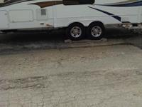 2800rls 2009 5th wheel camper. very good condition.