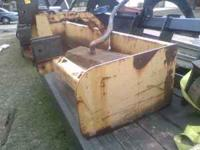 This is a 6' box blade This is very well made and HEAVY