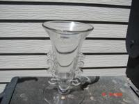 THIS LARIAT VASE, MADE BY HEISEY GLASS COMPANY BETWEEN