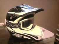GREAT condition Helmet with goggles, hardly used size: