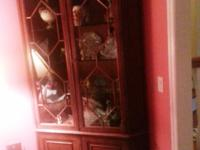 Henredon corner cabinet. $350.00. In great condition.
