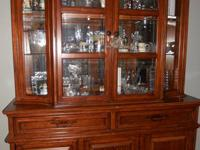 Henredon Fine Furniture Collection Double Curio Display