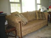 Henredon Sofa is in LIKE NEW condition.  It