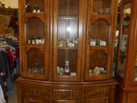 Hibriten Bernhardt Hutch Lighted 2 Piece 2 Glass
