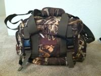 Hideaway Hunting Gear Set Wings Bag like new condition.