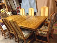 Beautiful 8 ft. long dining table including 2 leafs