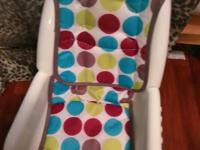 highchair for tabletop or chairs. short. no legs. great