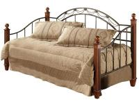 The Camelot wood post daybed has an outstanding wood