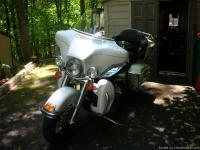 His = 2006 Harley Davidson Ultra Classic - Pearl