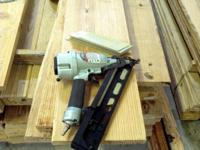 "Angle Finish Nailer -- Hitachi 2-1/2"" #NT65MA4(S)"