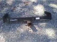 Selling a good used hitch measurment from outsidr to