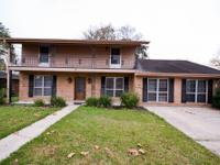 703 Milling Avenue, Luling 3BR/3BA LARGE HOME, 3 BEDS