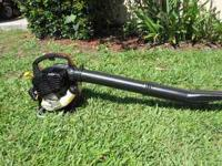 Homelite blower 2 years old Runs good. Call  NO EMAILS