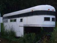 Homemade 5th wheel 4 place head to tail horse trailer.