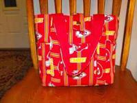 I made this handbag out of cotton/polyester with 6