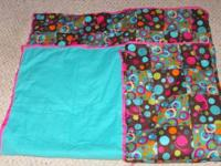 I have a twin sized quilt. It was pieced together with