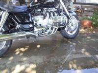 HONDA 1500 AWESOMEBLACK & CHROME ITS AN AWESOME BIKE