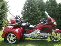 2008 Honda Gold Wing 1800, fully loaded , heated grips