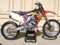 2010 CRF 250r excellent condition, new plastics &