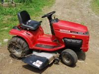 HERES A HONDA 4514 HYDROSTATIC RIDING MOWER,14hp