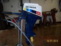 nice 1985 Honda bf100. 9.9 short shaft outboard.1 owner