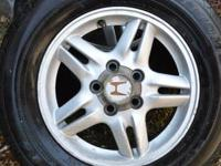 2001 2002 2003 2004 HONDA CR-V RIMS AND TIRES   90%