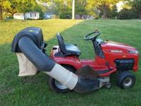 Honda 4514 Riding tractor with grass bagger. 14 h.p.