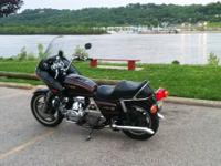 Nice 1981 Honda GL1100 Goldwing. Runs great lots of