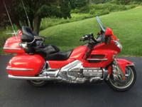 HONDA GOLDWING 1800 Red year 2004. Sirius XM Radio.